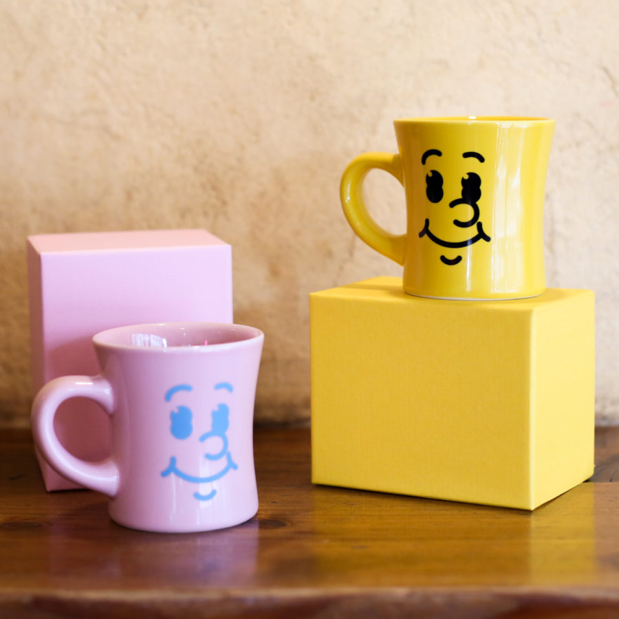 "HASAMI × manucoffee 007 - ""Smile Mug"" (artwork by Hikaru Matsubara)"